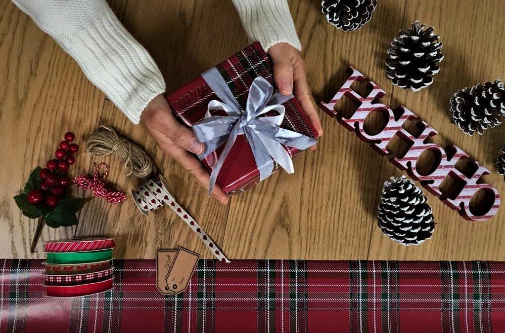 Natale è alle porte: 20 idee regalo per gli amanti dei viaggi